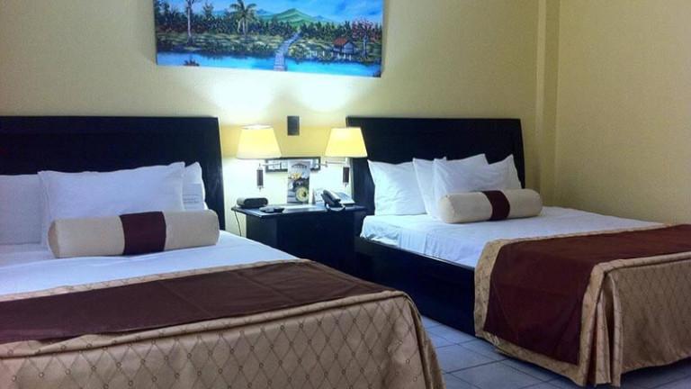 el-sitio-single-beds-room